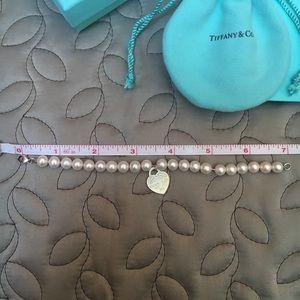 Tiffany & Co. Jewelry - Tiffany&Co Return to Tiffany Heart pearl bracelet
